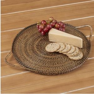 The Pampered Chef Woven Selections Round Tray